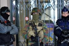 Brüksel'de polisten iki ayrı operasyon