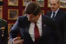 Davutoğlu mikrofonu unutunca...