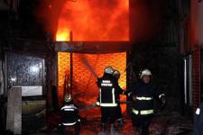Manisa'da cep telefonu yangın çıkardı
