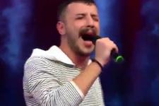 İsyan'la fenomen olan Ahmet Parlak, O Ses Türkiye sahnesinde