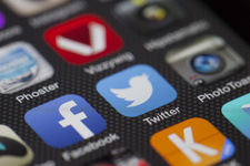 Facebook ve Twitter'a yaş sınırı getirildi bakın kaç!