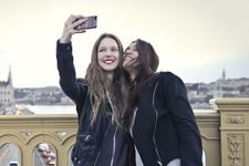 Microsoft'tan iPhone'a özel selfie uygulaması!