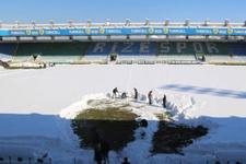 Çaykur Rizespor-Mersin İdmanyurdu maçı ertelendi 90 santim kar!