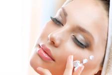 Yüz kremi nasıl sürülmeli en hassas yer burun ve dudak
