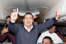 Antalyasporlular uçakta bakın neye sevindi