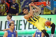 Fenerbahçe ikinci yarıda farka gitti