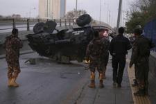 Ankara'da inanılmaz kaza! Zırhlı araç üst geçitten düştü