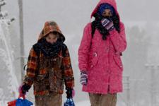 Kar fena bastırdı! O ilde okullar tatil edildi