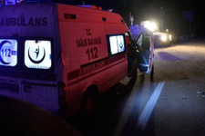 Manisa'da öğrenci servisi devrildi 8 yaralı