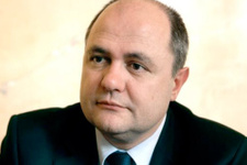 Azerbaycan o bakanı 'istenmeyen adam' ilan etti