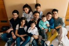 İzzet Yıldızhan 8 çocuğu ile böyle poz verdi!