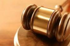 Yargıç avukata tecavüze kalkıştı!