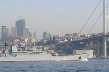 O Rus gemisinin İstanbul'dan geçişi yine olay oldu