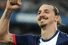 Fransa'dan namaz kılan futbolculara ceza