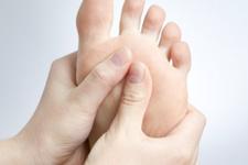 Ayak ve bacakların şişmesi hangi hastalığın belirtileri