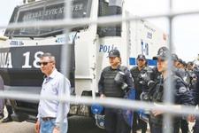 MHP'de kongre var mı polis barikatı kurdu!