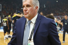 Zeljko Obradovic'e tükürüklü saldırı! Şok görüntü