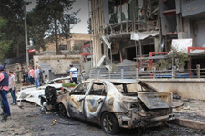 Muhalifler Halep'te doğumevini vurdu!