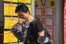 Dükkanı basılan Koreli plakçı ilk kez konuştu!