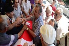 Yaşar Nuri Öztürk'ün cenaze töreni eski eşi ve nişanlısı...