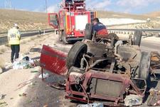 Sivas'ta korkunç kaza 6 yaralı!