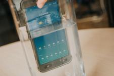 'Su geçirmez' Samsung su geçirdi