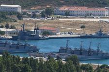 Foça'da askeri üsse operasyon 190 asker gözaltında!