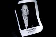 Hayatını kaybeden işadamı Mustafa Koç için su altında anıt