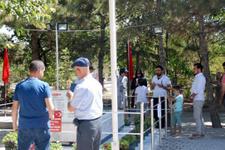 Ömer Halisdemir'in mezarına ziyaretçi akını!