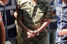 Rütbeli iki askere FETÖ'den gözaltı