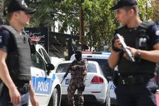 İsrail elçiliğine saldırı çalışanlar sığınağa alındı