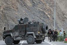Hakkari Şemdinli'de polise saldırı