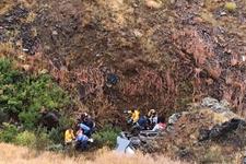 Sivas'ta minibüs uçuruma devrildi: 14 yaralı