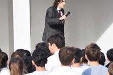 İzmir'de andımız krizi! Öğrenciler okumak istedi ama...