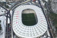 Beşiktaş Vodafone Arena'nın çatısına onay