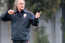 Galatasaraylı futbolculara ağır sözler