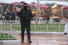 Taksim'de uzun namlulu silahlarla hazır bekliyorlar