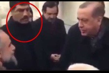 Erdoğan'ın korumasının yaptığına bakın! Herkes bunu konuşuyor