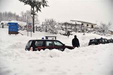İtalya'da son dakika çığ felaketi! Onlarca ölü var