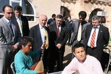 Nevşehir Valisi'nden engellilere ziyaret