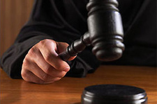 Hakim pornocuyu böyle azarladı