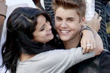 Selena Gomez'den Justin Bieber'a nispet!
