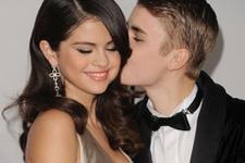 Selena Gomez'den aile saadeti
