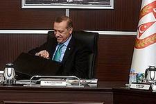 Erdoğan ve Özel çantaları karıştırınca