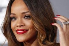 Rihanna İnstagrama geri döndü