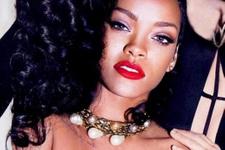 Rihanna gece gece yatak odasına...