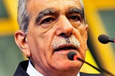 Ahmet Türk Kürtler adına özür diledi