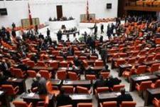 Yeni Meclis'te ilk kriz danışmanlara alkol sorusu