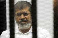 Mursi'ye özgürlük için imza attılar!