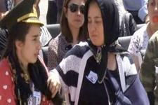 TRT spikeri şehit Arslan Kulaksız'ın eşine ağladı